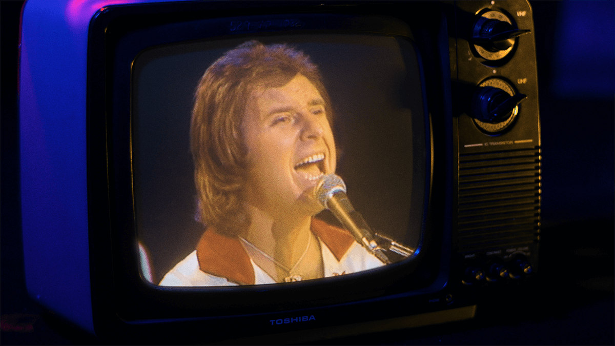 "Gary Wright in 1976 singing his hit ""Dream Weaver"""