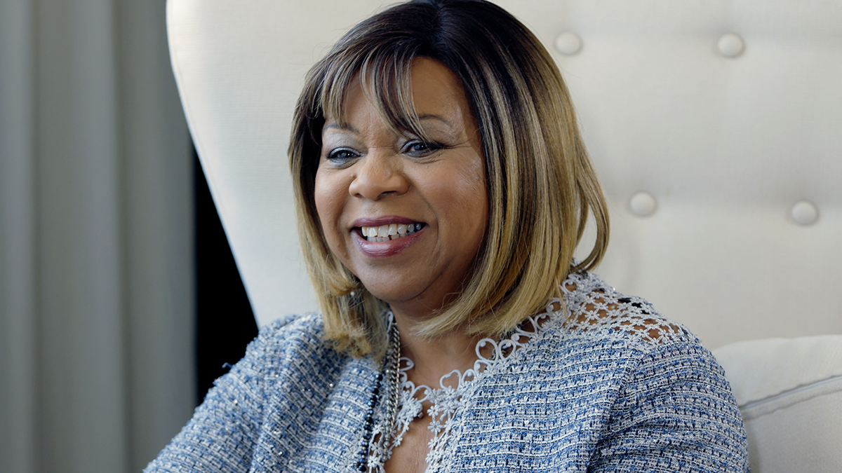 "Deniece Williams talks about her 1984 Hit ""Let's Hear it for the Boy"" with The Professor of Rock"